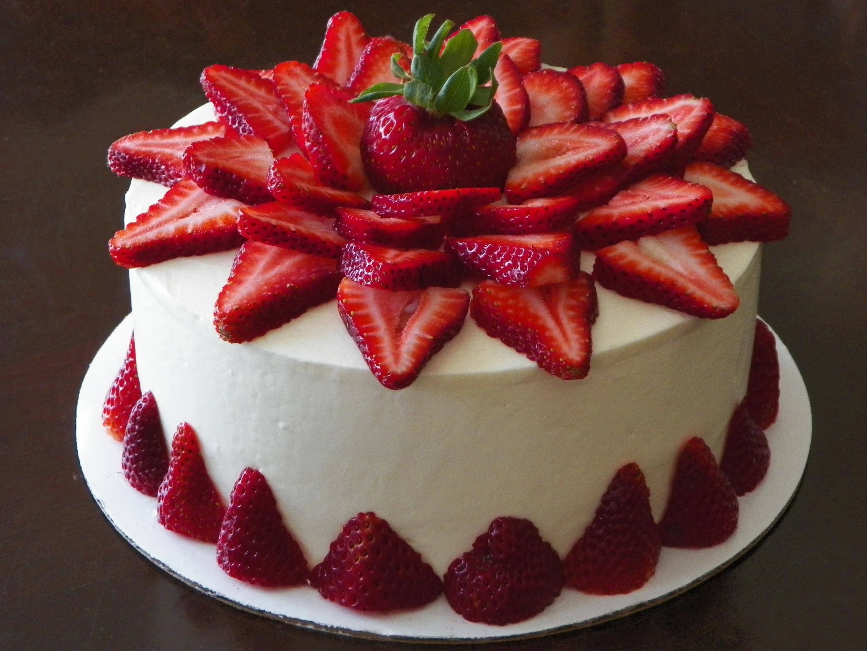 strawberry-cake-8-inch